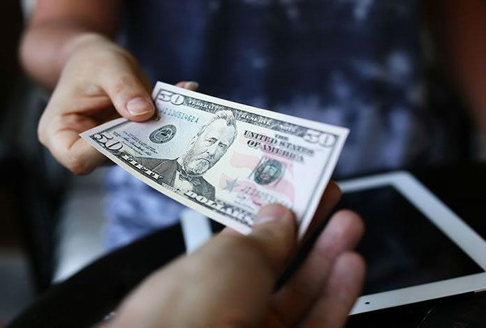 Jak nie stracić przy wymianie walut?
